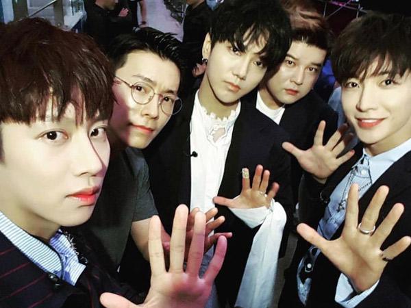 Postingan Emosional Leeteuk Usai Super Junior Tampil Berempat di Konser SMTOWN