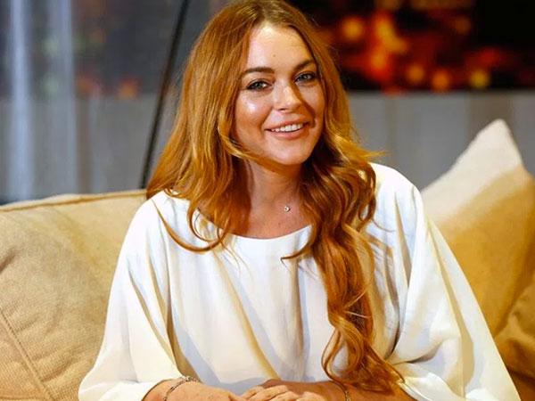 Gara-Gara Ini Lindsay Lohan Siap Bisnis Busana Muslim?