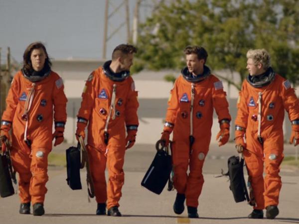 One Direction Siap Terbang ke Luar Angkasa di Video Musik 'Drag Me Down'