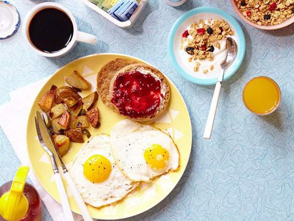 Penelitian Ungkap Waktu yang Paling Tepat untuk Makan Pagi