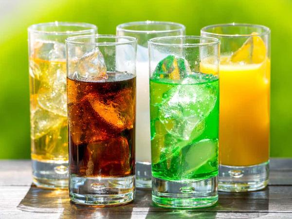 Minum Soft Drink 2 Gelas Sehari Dapat Tingkatkan Risiko Penyakit Jantung dan Kematian Dini