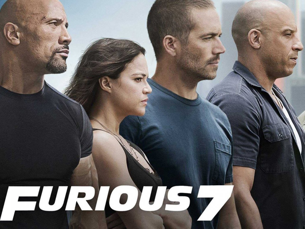 Wow, Vin Diesel dan Lainnya Skydiving Sambil Kendarai Mobil di Trailer 'Furious 7'!