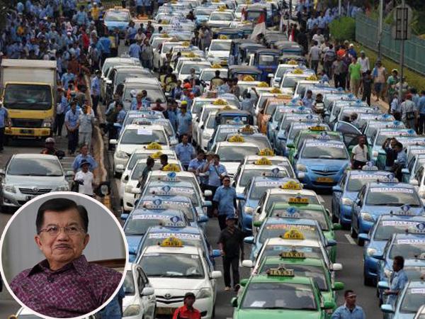 Demo Anarkis Berlanjut, Wapres JK Curhat Terkena Kemacetan Untuk Pertama Kalinya?