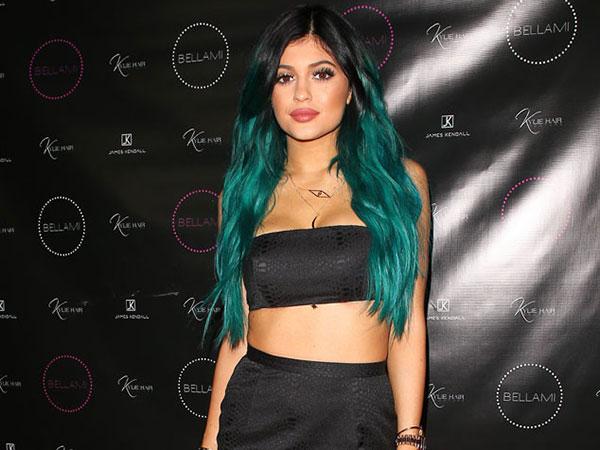 Lagi, Kylie Jenner Bicara Soal Rumor Oplas Bibir Tebalnya