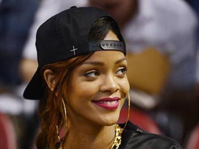Rihanna Senang Namanya Dijadikan Judul Lagu The Wanted