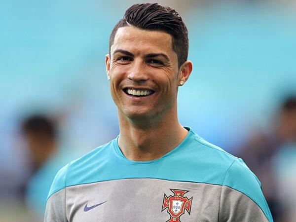 Temukan Ponsel Hilang, Cristiano Ronaldo Ajak Makan Malam Pemiliknya