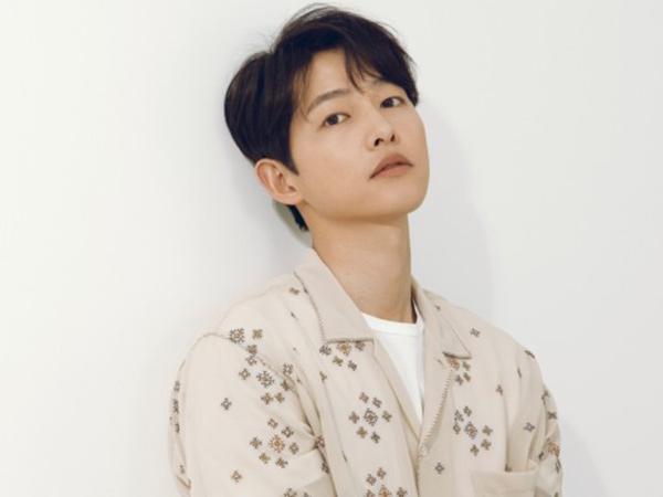 Kocak, Pria Ini Gunakan Bahan Sehari-hari Untuk Mengcosplay Song Joong Ki