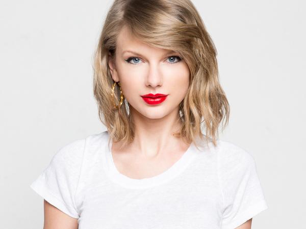 So Sweet! Taylor Swift Semangati Fans Penderita Kanker Lewat Telepon