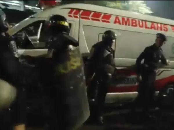 5 Ambulans Pemprov DKI Diamankan Polisi Saat Demo, Angkut Batu dan Bahan Bom Molotov?