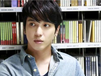Lama Tak Syuting, Yonghwa CN Blue Gugup di 'Future of Choice'
