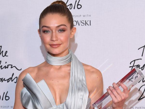 Bersaing Ketat dengan Adik Sendiri, Gigi Hadid Berhasil Sabet Gelar 'Model of the Year'!