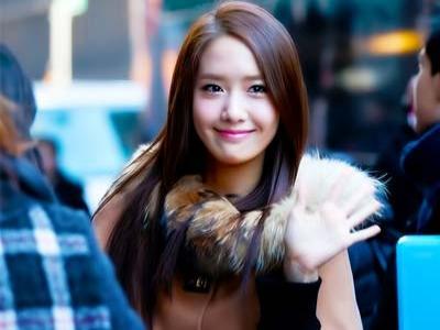 Yoona SNSD Tampil Bermake-up Meski Kuliah