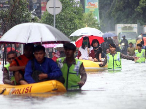 Gubernur Ahok Siapkan Tanggul Besar, Jakarta Akan Tenggelam Tahun 2030?