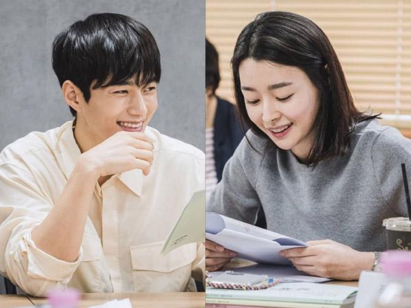 Kim Myungsoo dan Kwon Nara Berbagi Tawa di Diskusi Naskah Drama Baru