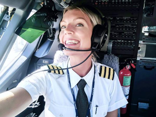 Kenalan Dengan Maria Petterson, Pilot Terseksi Yang Jadi Viral di Instagram!
