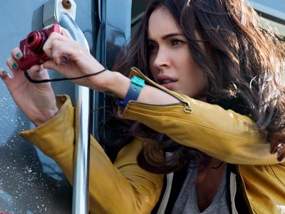 Upss, Megan Fox Pingsan Bertemu Kura-kura Mutan di Trailer Film Terbarunya