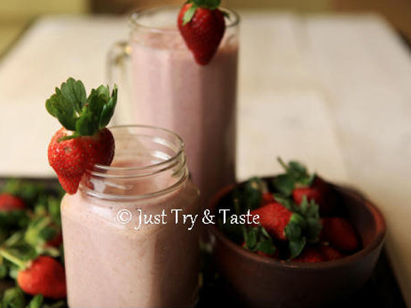 Segar Dan Kenyang, Ceriakan Weekend-mu Dengan Resep Strawberry Oatmeal Smoothie!