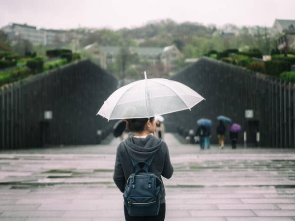 Berbagai Tempat Wisata Dalam Negeri yang Ternyata Lebih Seru Dikunjungi Saat Hujan