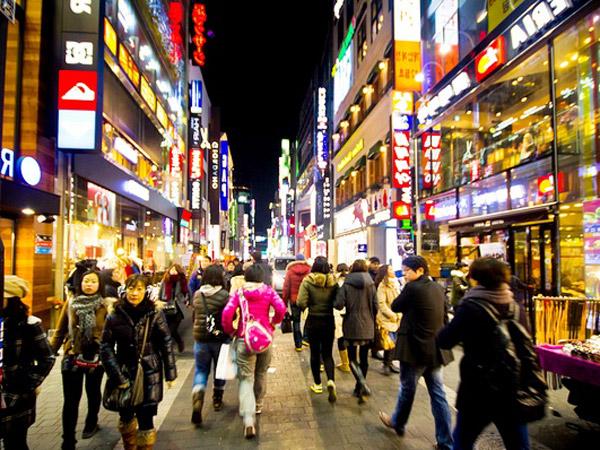 Jadi Destinasi Favorit, Pemerintah Korea Selatan Akan Tindak Tegas Wisatawan Gaduh