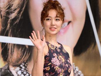 Yoon Eun Hye Ungkap Alasan Rambut Keritingnya di 'Future Choice'