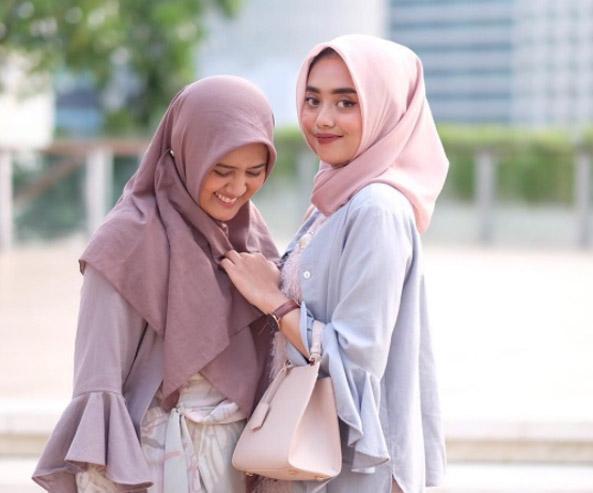 Yuk, Kenali dan Mulai Rawat Hijabmu Sesuai Bahan Kainnya