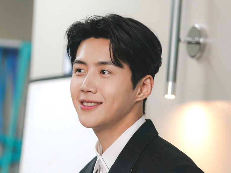 Kim Seon Ho 'Han Ji Pyeong' si Anak Baik Sampai Episode Terakhir 'Start-Up'