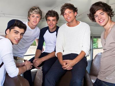 Jelang Konser World Tour, One Direction Ikuti Kelas Tarian Zumba