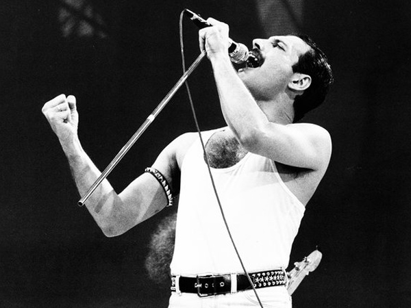 Kenang Freddie Mercury Lewat Konser 'The Ultimate Queen Celebration' Jakarta