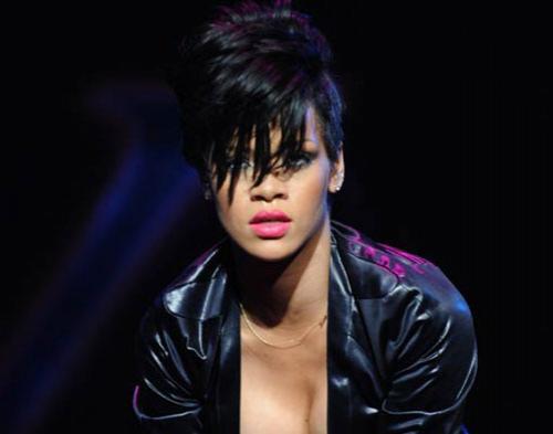 Rihanna Jadi Ratu You Tube Geser Lady Gaga