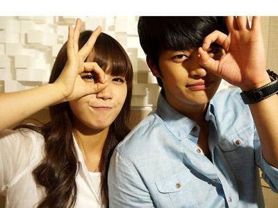 Eunji A-Pink dan Seo In Gook Berfoto Bersama