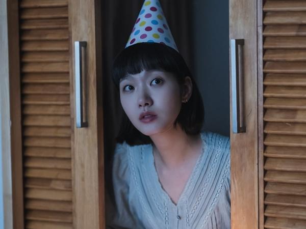 Kim Go Eun Berikan Kejutan Ulang Tahun Untuk Ahn Bo Hyun di Yumi's Cells