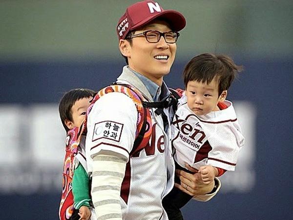 Wah, Si Kembar Seoeon & Seojun Bertemu Park Ji Sung di Superman Has Returned!