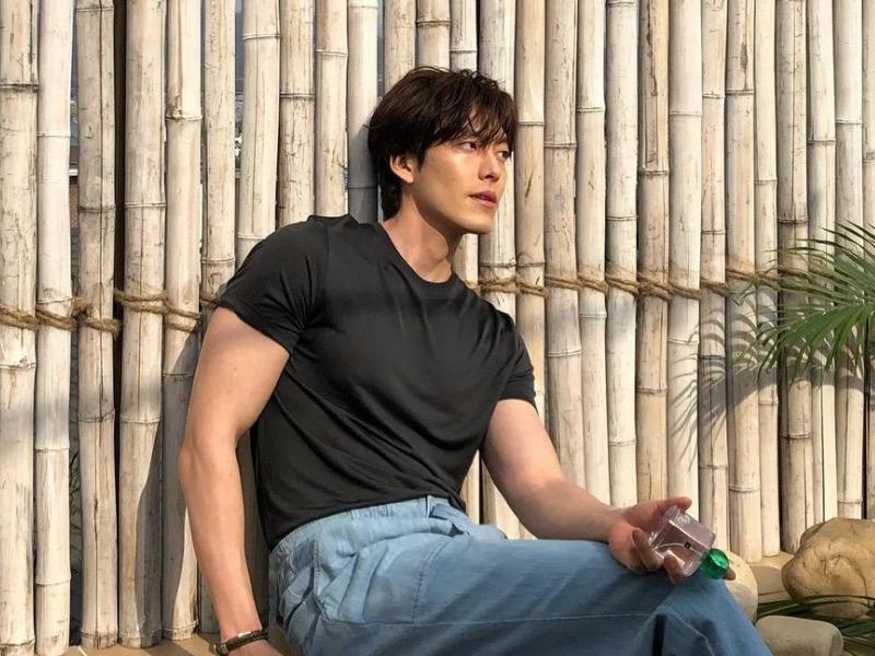 Fisik Kim Woo Bin yang Makin Atletis Usai Sembuh dari Kanker, Netizen Takjub!