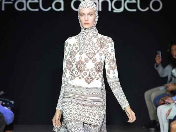 Dianggap Sebagai Sindiran, Desainer Ini Tampilkan Burkini di Milan Fashion Week?