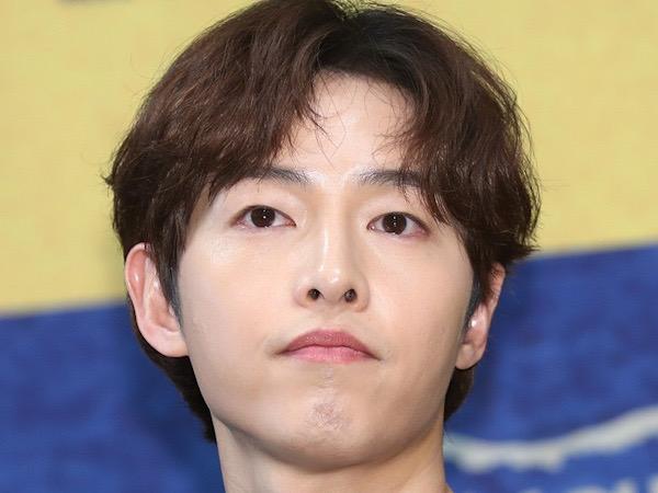 Song Joong Ki Lanjutkan Syuting Film Usai Rampung Isolasi Mandiri