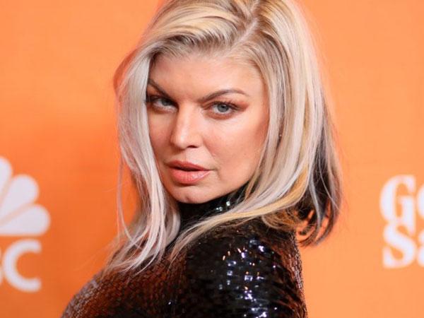 Nyanyikan Lagu Kebangsaan dengan Seksi, Fergie Mendapat Banyak Respon Buruk!