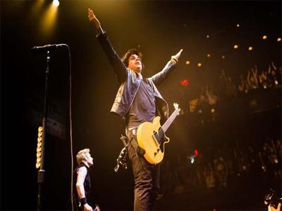 Green Day Sukses Gelar Konser di Emirates Stadium London