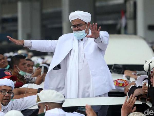 Habib Rizieq Pulang dan Jejak Kasus 3 Tahun Selama di Arab