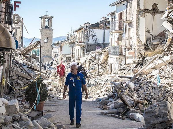 Tembus 250 Korban, Ini Foto-Foto 'Sebelum dan Sesudah' Gempa Italia
