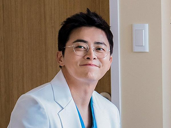 Jo Jung Suk Tuai Pujian Usai Terungkap Rela Potong Gajinya dari Drama Hospital Playlist
