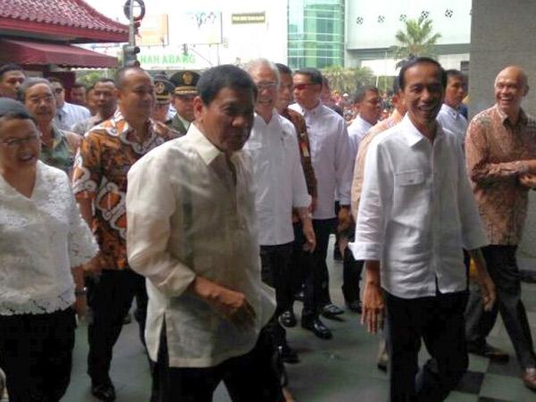 Bikin Heboh Pasar, Ini Alasan Jokowi Ajak Presiden Filipina Duterte Blusukan ke Tanah Abang