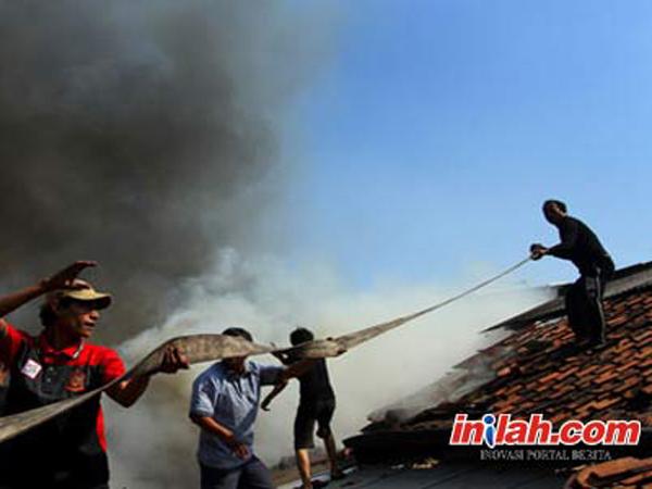 Pasar di Ciracas Terbakar, Bocah Tewas Terpanggang