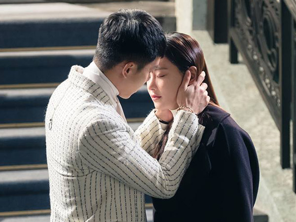 Suguhkan Kiss Scene Lee Seung Gi dan Oh Yeon Seo, Rating Drama 'Hwayugi' Makin Meroket