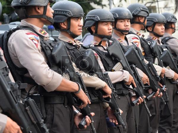 Turunkan 18 Ribu Pasukan Gabungan untuk Kawal Demo Anti-Ahok, Aksi Damai atau 'Lebay'?