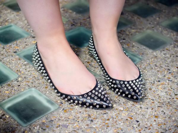 Masalah Kesehatan yang Mengintai dari Sepatu yang Digunakan Setiap Hari