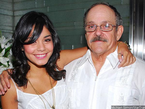 Derita Kanker, Ayah Vanessa Hudgens Meninggal Dunia