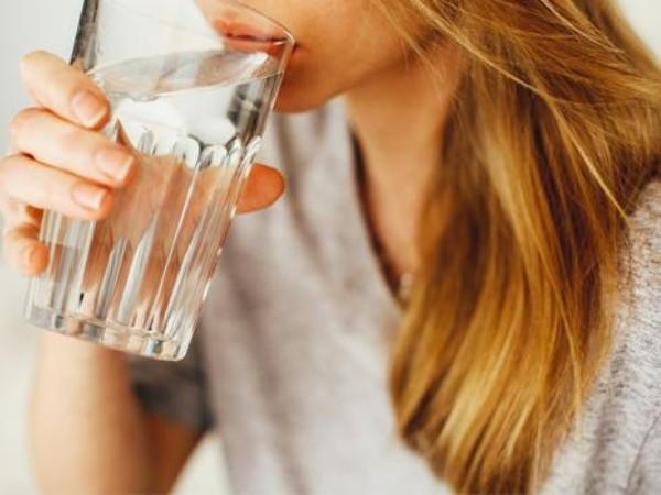 Air Putih Saja Tidak Cukup Untuk Menjaga Tubuh Tetap Terhidrasi?