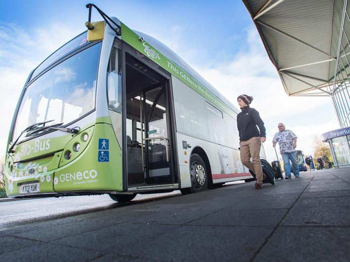 Wow, Bus Ini Berbahan Bakar Kotoran Manusia!