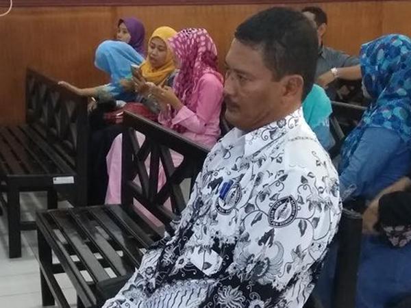 Sempat Damai, Guru SMP yang Cubit Murid di Sidoarjo Kini Divonis 3 Bulan Penjara