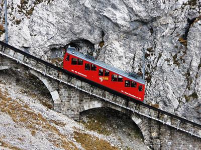 Swiss Jadi Negara yang Memiliki Lintasan Kereta Api Paling Curam!
